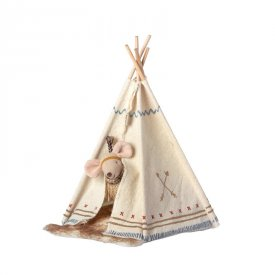 teepee-tent-mouse-little-feather