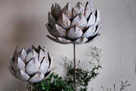 candleholder-stick-water-lily