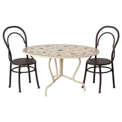 set-table-two-chairs-maileg