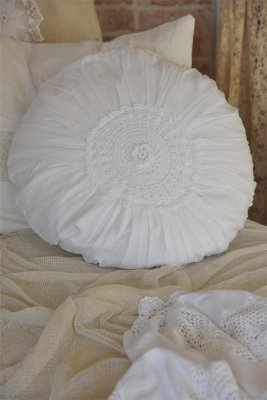 Cushion cover Crocheted rose, white - Jeanne d'Arc Living