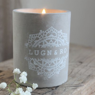 scented-candle-concrete
