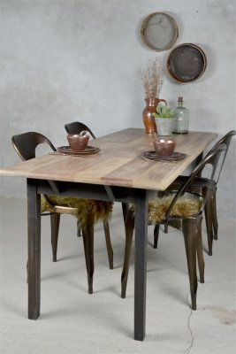Diningtable-black-legs-jdl
